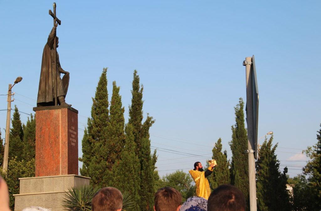 28 июля в день памяти Святого Князя Владимира паломники Фавора участвовали в традиционном Крестном ходе